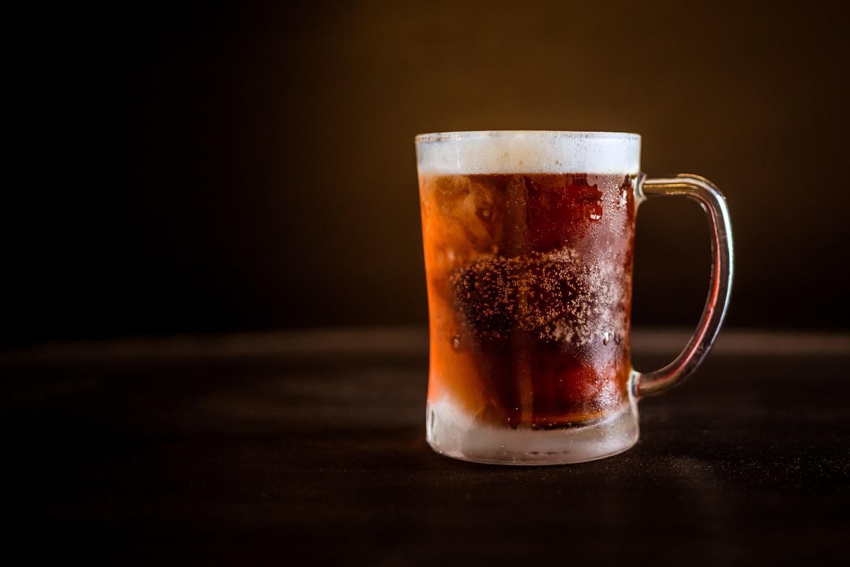 coisa-de-brasileiro-cerveja-trincandocoisa-de-brasileiro-cerveja-trincando