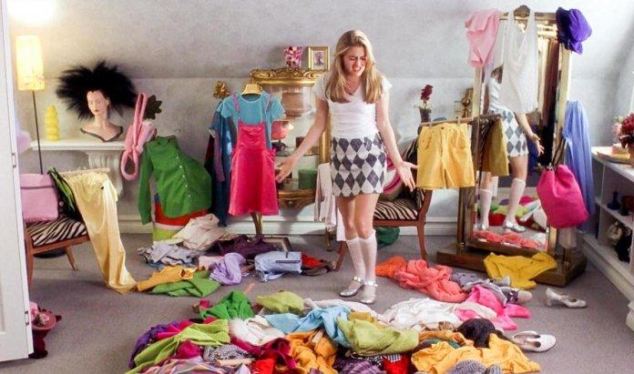 indeciso-escolhendo-roupaindeciso-escolhendo-roupa